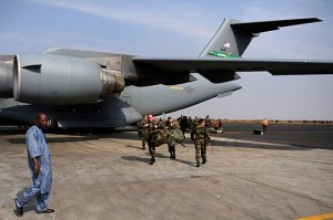 French_troops_arrive_in_Mali_130123-F-GO452-629