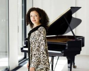 Actualité concert musique classique Marianna Shirinyan a donné une remarquable interprétation du concerto pour piano de Grieg à la Salle e concert de Västerås - 10 avril 2014