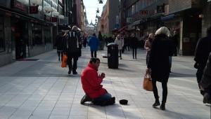 Actualités politiques De plus en plus d'Européens de l'Est mendient dans les rues des villes suédoises