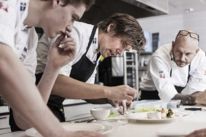 Actualité gastronomie culture Bocus d'Or 2014 à Stockholm Albin Edberg, Tommy Myllymäki, Jonas Dahlbom, 3 chefs suédois en pleine concentration pour tenter de remporter le meilleur prix
