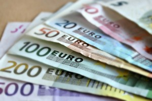 Actualités politiques économiques La Suède n'adoptera pas la monnaie unique européenne avant longtemps